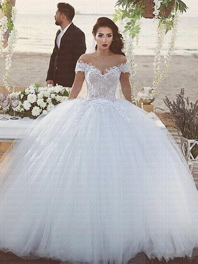 Ball Gown Wedding Dresses Off Shoulder Chapel Train Lace Tulle Strapless Beautiful Back with 2021