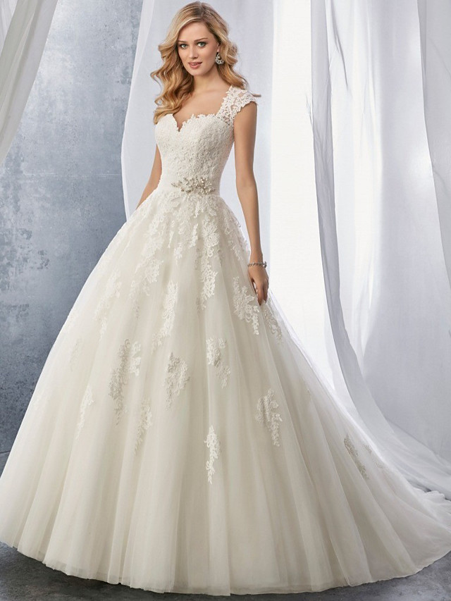 Ball Gown Wedding Dresses Sweetheart Neckline Chapel Train Lace Tulle Regular Straps with Appliques 2021
