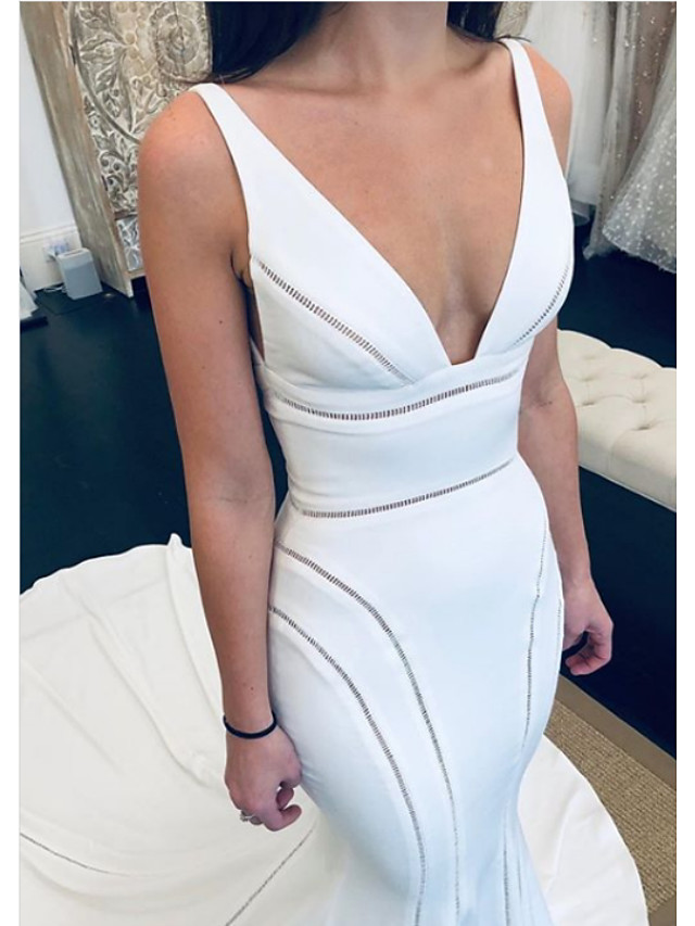 Mermaid / Trumpet Wedding Dresses V Neck Court Train Satin Regular Straps Formal Plus Size with Draping 2020