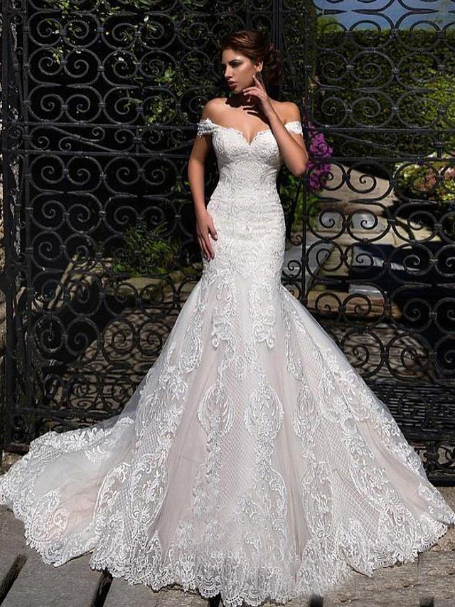 Mermaid / Trumpet Wedding Dresses Off Shoulder Court Train Lace Strapless Formal Simple Casual with 2020