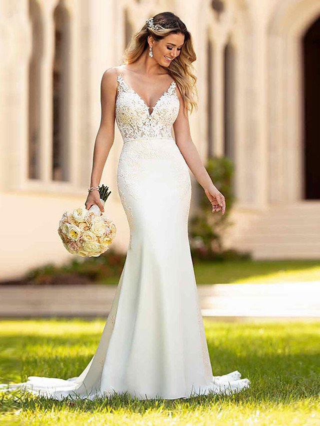 Mermaid / Trumpet Wedding Dresses V Neck Court Train Lace Spaghetti Strap Casual Vintage with 2020
