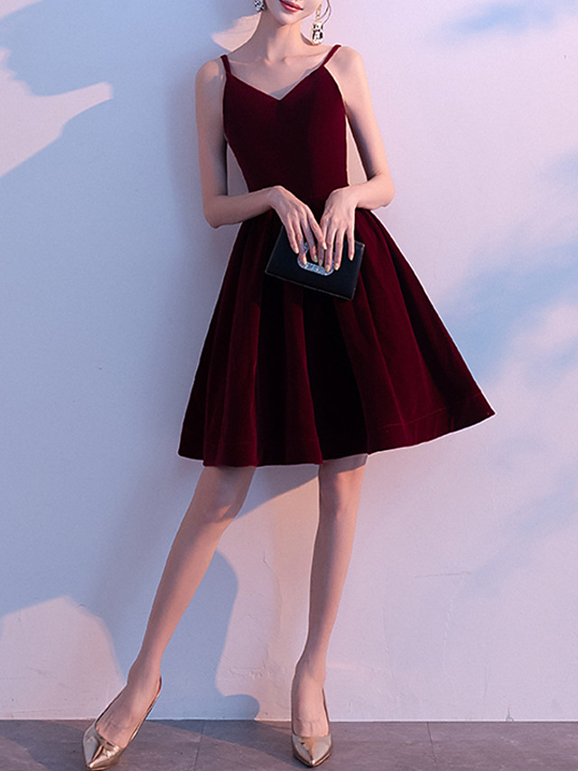 Back To School A-Line Hot Red Homecoming Cocktail Party Dress V Neck Sleeveless Knee Length Velvet with Pleats 2020 Hoco Dress