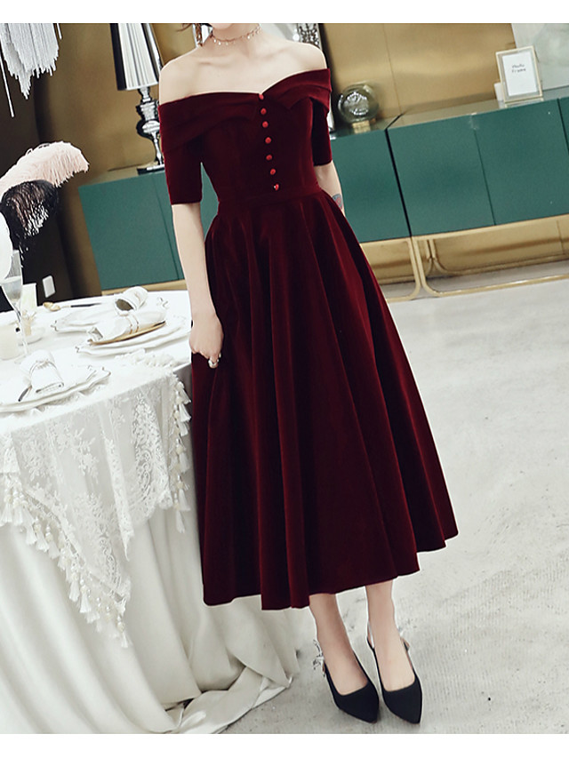 A-Line Minimalist Red Wedding Guest Cocktail Party Dress Off Shoulder Short Sleeve Tea Length Velvet with Buttons 2020