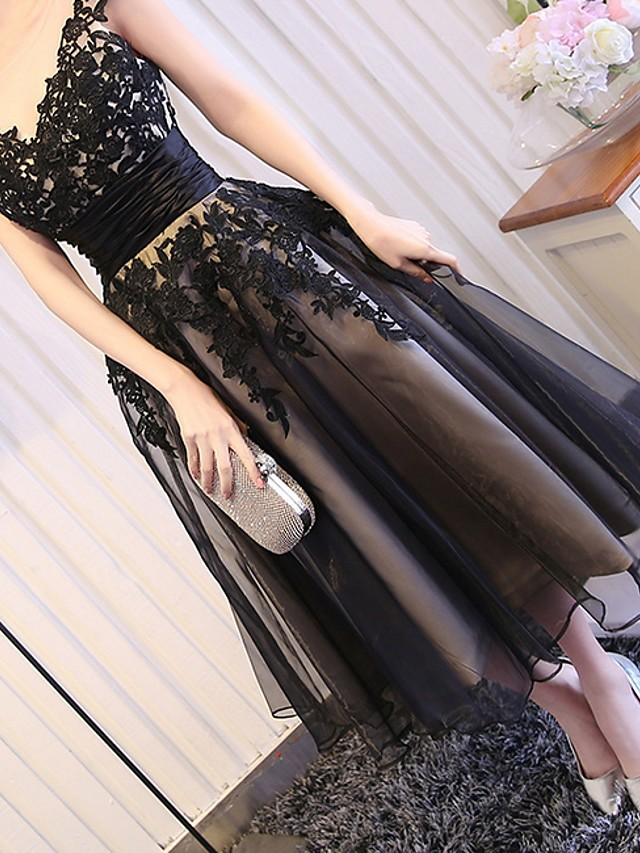 A-Line Elegant Black Party Wear Prom Dress Jewel Neck Short Sleeve Tea Length Polyester with Appliques 2020