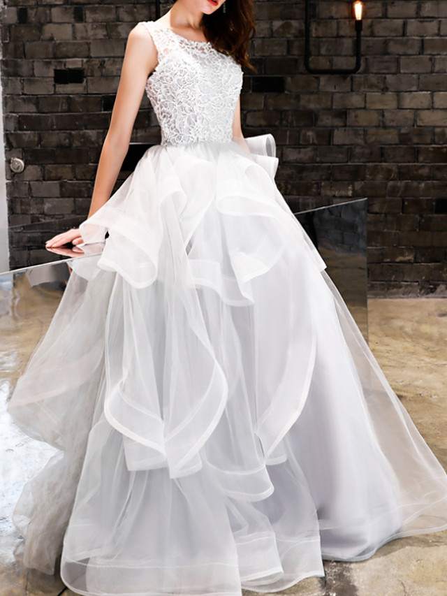 Ball Gown Elegant White Engagement Prom Dress Jewel Neck Sleeveless Floor Length Polyester with Tier Appliques 2020
