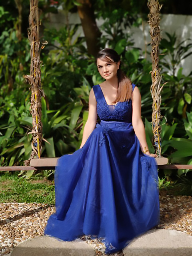 A-Line Elegant Blue Prom Formal Evening Dress V Neck Sleeveless Sweep / Brush Train Lace Tulle with Tier Appliques 2020