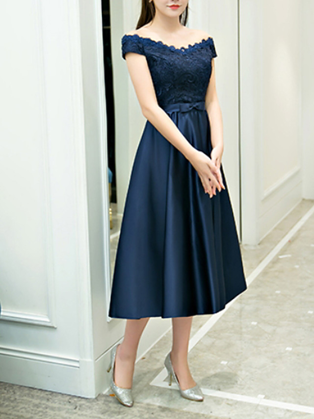 A-Line Elegant Blue Homecoming Cocktail Party Dress Off Shoulder Sleeveless Tea Length Polyester with Appliques 2020