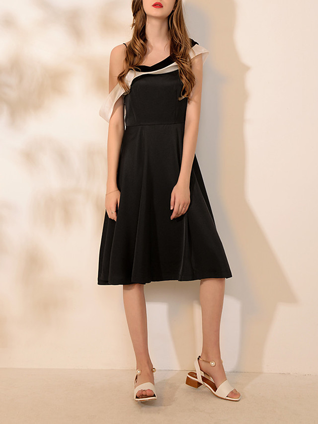 A-Line Sexy Black Homecoming Cocktail Party Dress Spaghetti Strap Sleeveless Knee Length Spandex with Pleats 2020