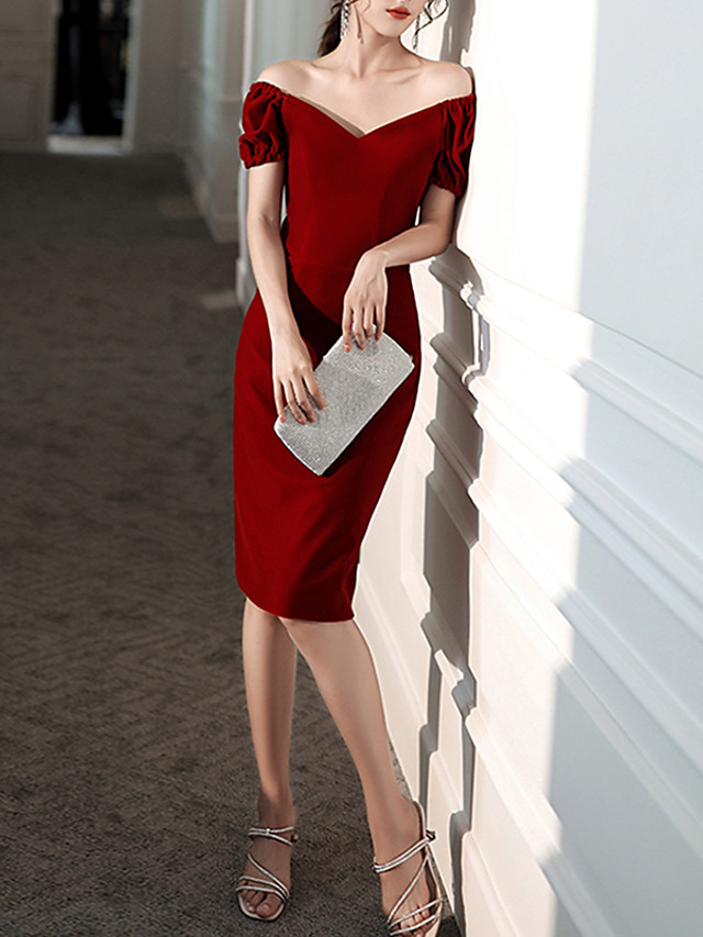 Sheath / Column Red Retro Homecoming Cocktail Party Dress V Neck Short Sleeve Knee Length Velvet with Pleats 2020