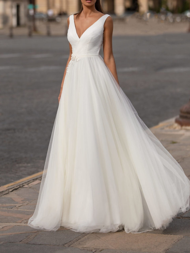 Ball Gown Wedding Dresses V Neck Floor Length Tulle Sleeveless Country Plus Size with Draping Appliques 2020