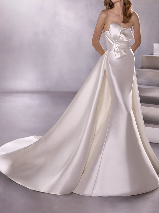 A-Line Wedding Dresses Strapless Court Train Satin Sleeveless Country Plus Size with Bow(s) 2020