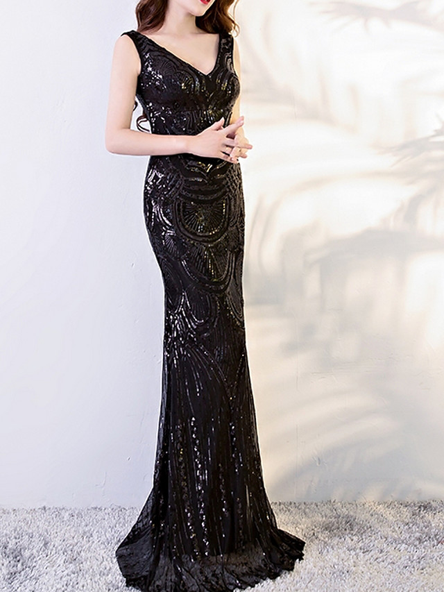 Sheath / Column Sexy Black Engagement Formal Evening Dress V Neck Sleeveless Sweep / Brush Train Polyester with Sequin Appliques 2020