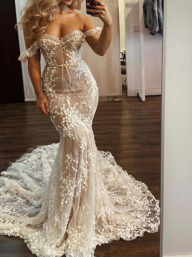 Mermaid / Trumpet Wedding Dresses Off Shoulder Sweep / Brush Train Lace Polyester Short Sleeve Country Plus Size with Embroidery Appliques 2020