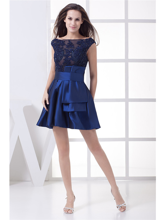 A-Line Glittering Peplum Homecoming Cocktail Party Dress Boat Neck Sleeveless Short / Mini Taffeta with Beading 2020
