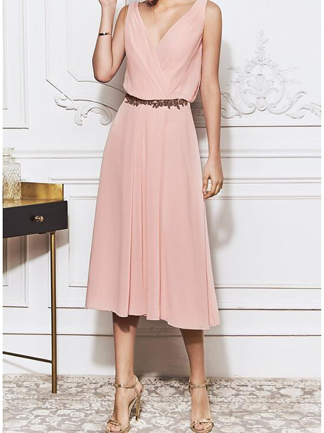 Sheath / Column Elegant Pink Homecoming Cocktail Party Dress V Neck Sleeveless Knee Length Chiffon with Sash / Ribbon 2020