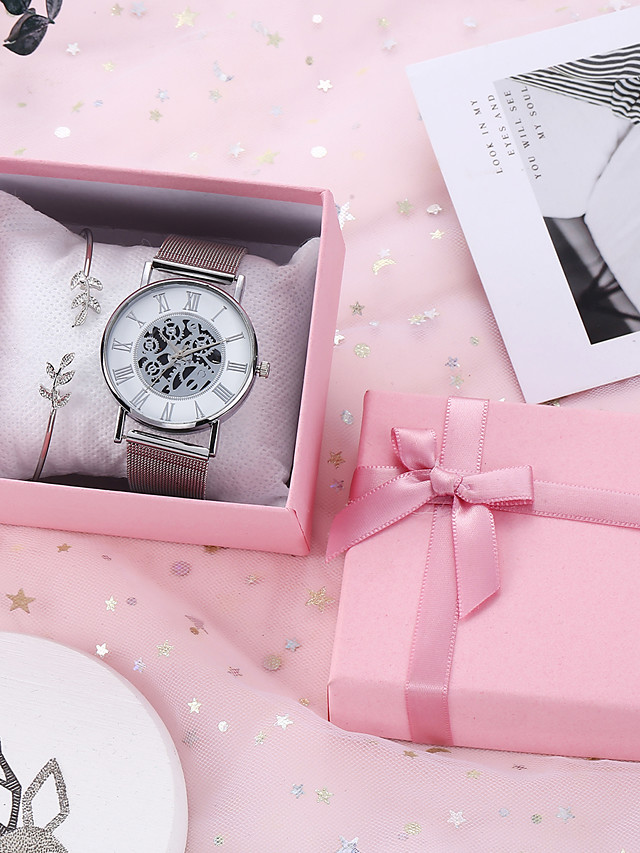 Women's Quartz Watches Quartz New Arrival Chronograph Analog - Gold Silver / Hollow Engraving