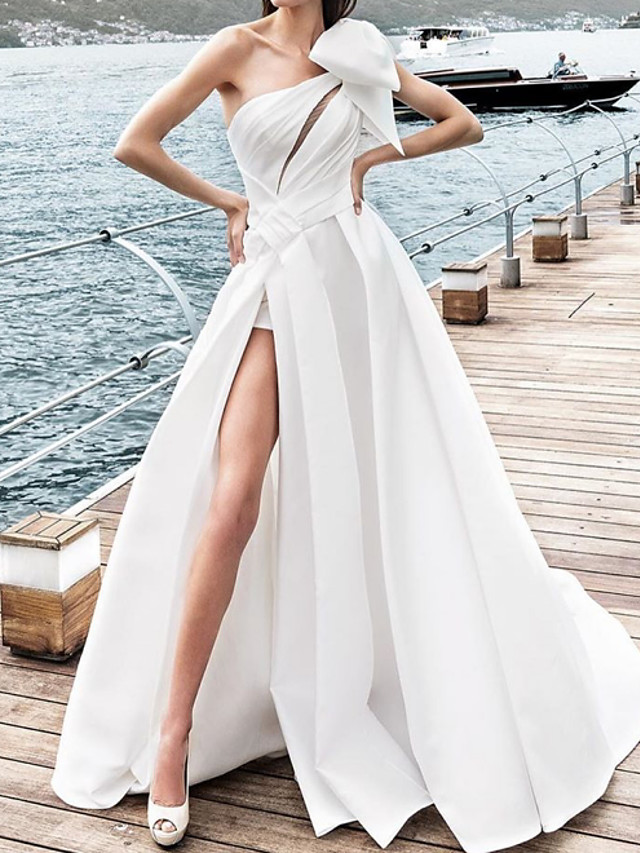 A-Line Wedding Dresses One Shoulder Sweep / Brush Train Satin Sleeveless Sexy with Bow(s) Split Front 2020