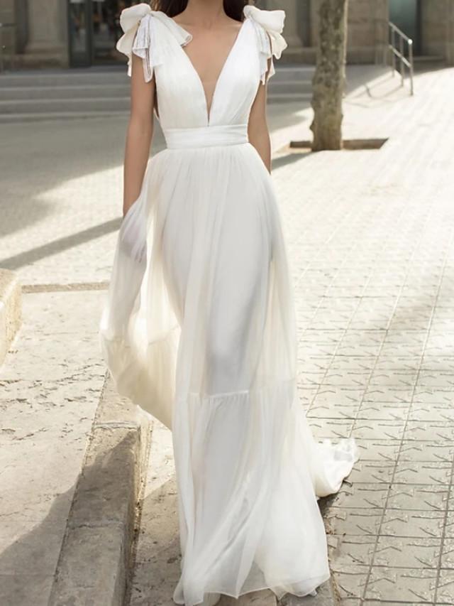 Sheath / Column Elegant Beautiful Back Engagement Formal Evening Dress V Neck Sleeveless Court Train Chiffon with Bow(s) 2020