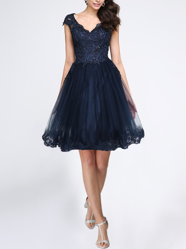 A-Line Cut Out Beautiful Back Homecoming Cocktail Party Dress V Neck Sleeveless Knee Length Lace Tulle with Lace Insert Appliques 2020
