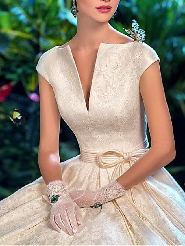 A-Line Wedding Dresses V Wire Sweep / Brush Train Lace Satin Short Sleeve Formal Vintage Sexy with Sashes / Ribbons Embroidery 2020