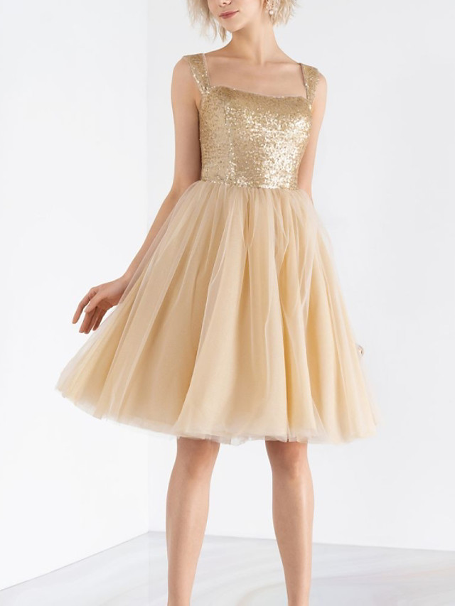 A-Line Flirty Sparkle Homecoming Cocktail Party Dress Scoop Neck Sleeveless Knee Length Tulle Sequined with Pleats Sequin 2020