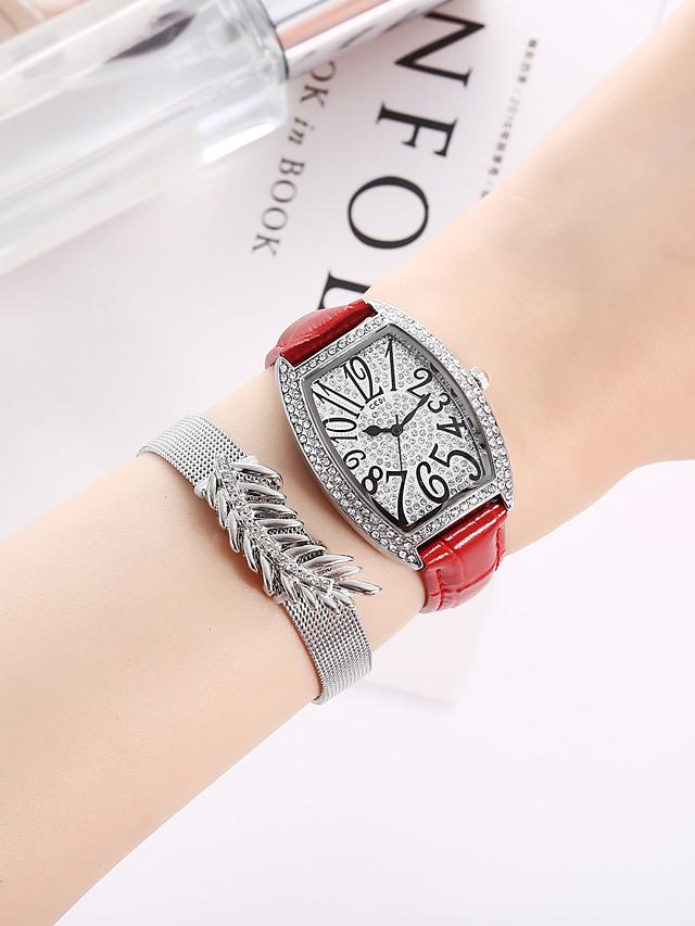 Women's Quartz Watches Quartz Formal Style Stylish New Arrival Chronograph PU Leather Black / White / Red Analog - White Black Red / Imitation Diamond / Large Dial