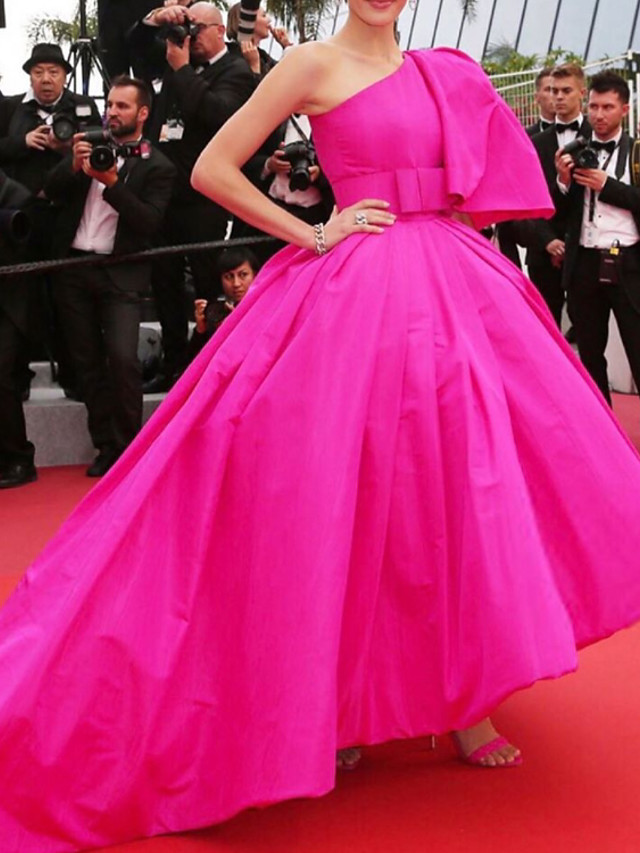 Ball Gown Celebrity Style Luxurious Wedding Guest Prom Dress One Shoulder Sleeveless Court Train Taffeta with Bow(s) 2020