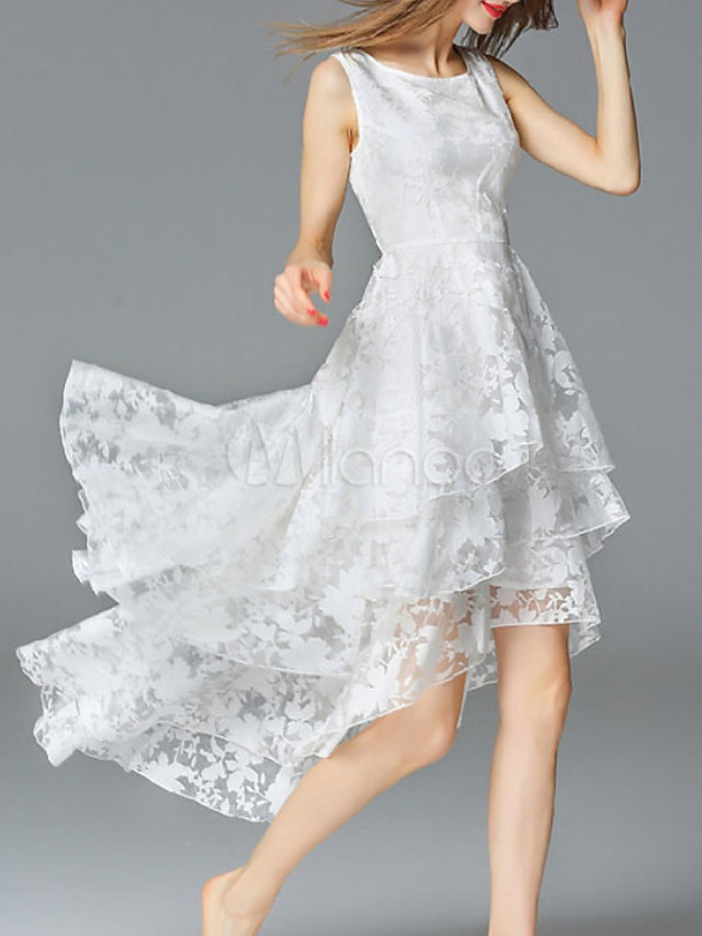 A-Line Elegant Empire Homecoming Cocktail Party Dress Jewel Neck Sleeveless Asymmetrical Lace Satin with Tier Appliques 2020
