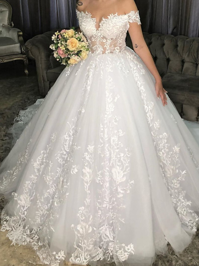 Ball Gown Wedding Dresses Off Shoulder Chapel Train Lace Tulle Sleeveless Formal with Appliques 2021