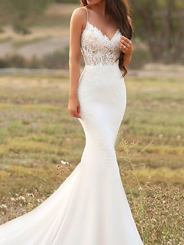 Mermaid / Trumpet Wedding Dresses V Neck Court Train Lace Satin Sleeveless Country with Appliques 2020
