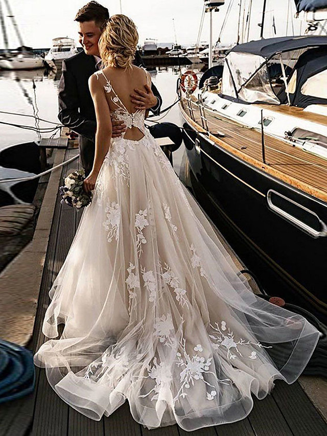 A-Line Wedding Dresses V Neck Court Train Tulle Spaghetti Strap Backless with Appliques 2021