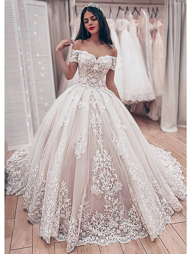 Ball Gown Wedding Dresses Off Shoulder Chapel Train Lace Tulle Short Sleeve Formal Luxurious with Pleats Appliques 2020