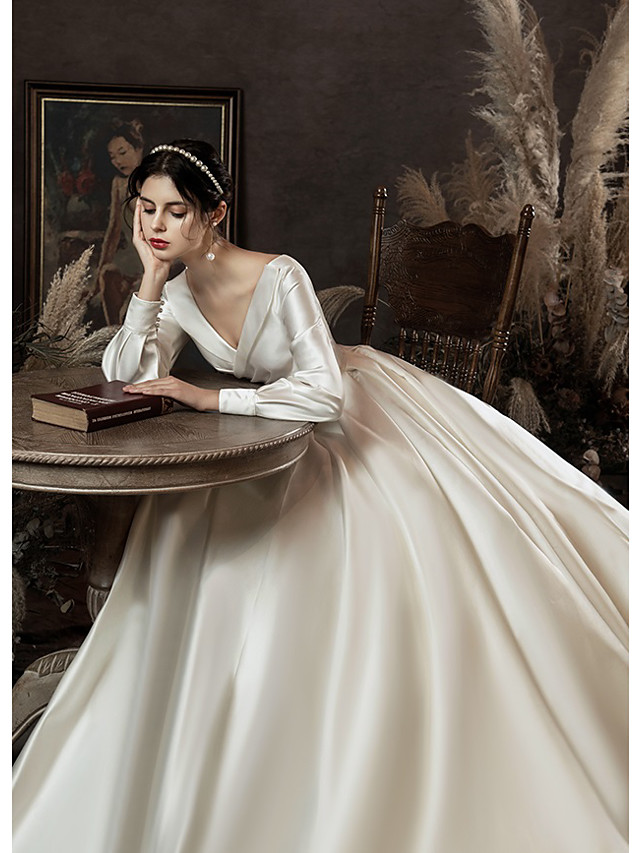 Ball Gown Wedding Dresses V Neck Watteau Train Satin Long Sleeve Formal Simple with Pleats Pearls 2021
