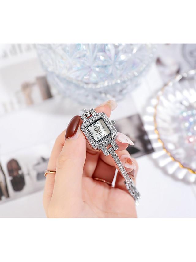 Women's Quartz Watches Quartz Stylish Fashion Cute Analog Gold Silver / One Year