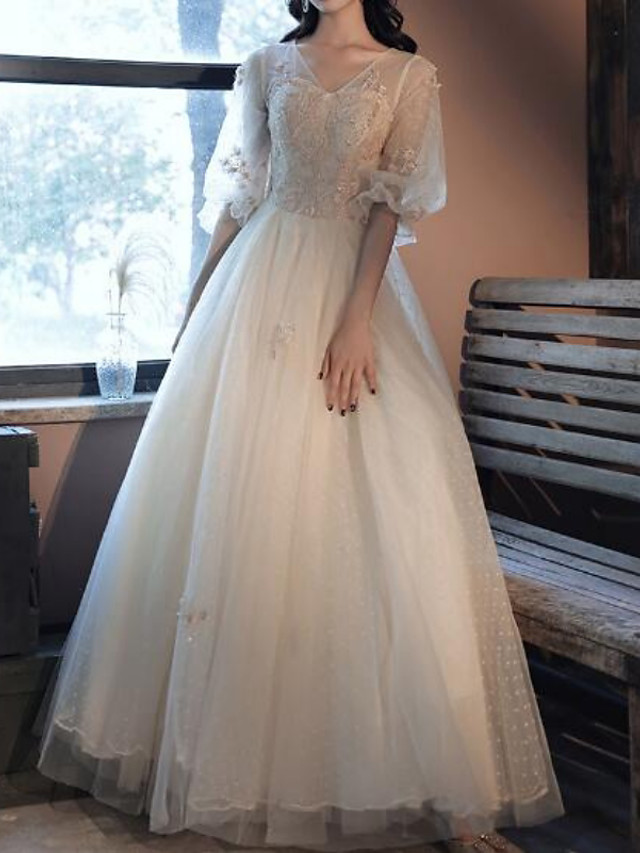 Ball Gown Vintage Floral Quinceanera Prom Dress V Neck Half Sleeve Floor Length Tulle with Pleats Embroidery 2021
