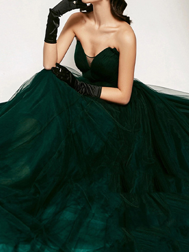 Ball Gown Elegant Vintage Prom Formal Evening Dress V Neck Sleeveless Court Train Tulle with Pleats 2021