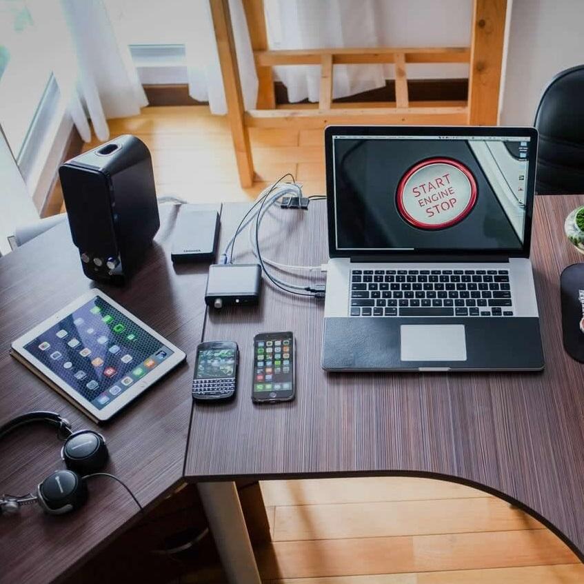 Ordinateur et bureau