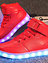 Flickor Komfort / Lysande skor Anpassat material / Konstläder Sneakers Lilla barn (4-7år) / Stora barn (7 år +) Promenad Snörning / Krok och ögla / LED Röd / Blå / Rosa Vår / Vinter / TR (termoplast)