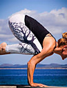 Dam Hög midja Yoga byxor Tryck Svart Vit Grå Elastan Löpning Fitness Gym träning Leggings Sport Sportkläder Butt Lift Magkontroll Sportflex Hög Elasisitet Skinny / Vinter