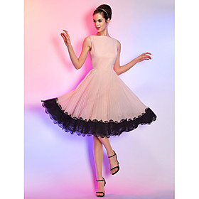 A-Line Cute Pastel Colors Homecoming Cocktail Party Dress Boat Neck Sleeveless Knee Length Chiffon Corded Lace with Lace Insert 2020