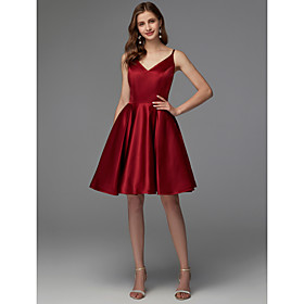 A-Line Hot Red Homecoming Cocktail Party Dress V Neck Sleeveless Short / Mini Satin with Pleats 2020