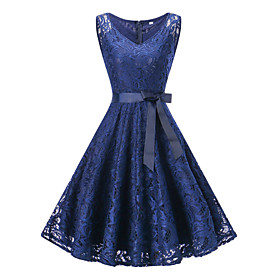 A-Line Hot Blue Homecoming Cocktail Party Dress V Neck Sleeveless Knee Length Lace with Bow(s) Lace Insert 2020