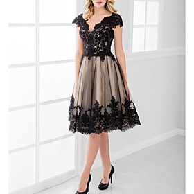 A-Line Open Back Holiday Cocktail Party Dress Plunging Neck Short Sleeve Knee Length Tulle with Lace Insert 2020