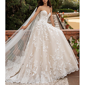 A-Line Wedding Dresses Sweetheart Neckline Sweep / Brush Train Lace Strapless Romantic Illusion Detail with Appliques 2020