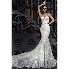 Mermaid / Trumpet Wedding Dresses Strapless Court Train Lace Strapless Formal Romantic Vintage with 2020