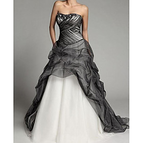 Ball Gown Wedding Dresses Strapless Sweep / Brush Train Tulle Sleeveless Formal Black with Beading 2020