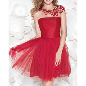 A-Line Flirty Red Homecoming Cocktail Party Dress Illusion Neck Jewel Neck Sleeveless Short / Mini Lace Tulle with Ruched Embroidery 2020