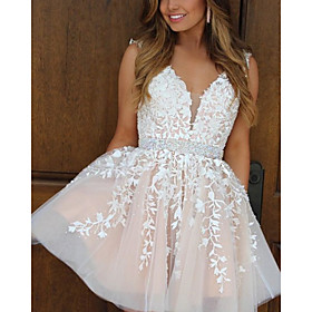 A-Line Flirty Floral Homecoming Cocktail Party Dress V Neck Sleeveless Short / Mini Tulle with Sash / Ribbon Appliques 2020