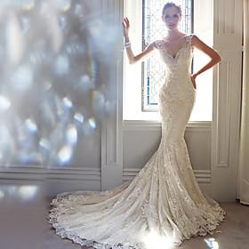 Mermaid / Trumpet Wedding Dresses V Neck Court Train Lace Sleeveless Formal Elegant with Beading Appliques 2020