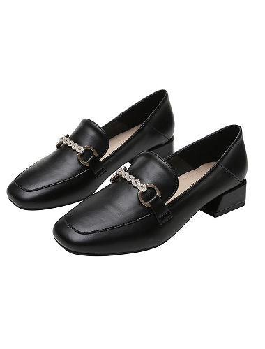 Női topánkák és vászoncipők